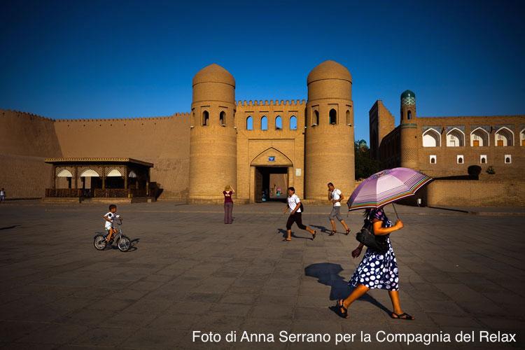 Asia, Uzbekistan, Khiva, Ata Gate Foto di Anna Serrano per La Compagnia del Relax