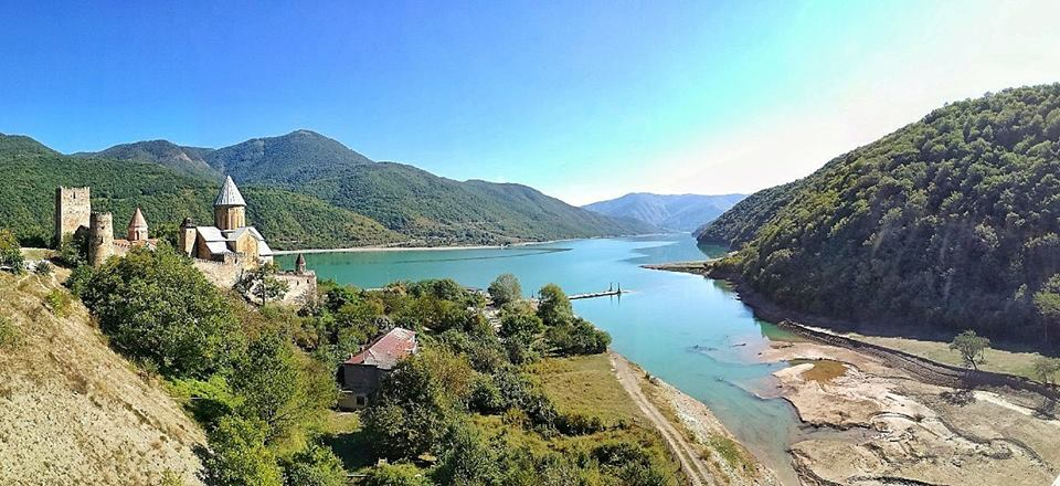 Georgia, fortezza di Ananuri.