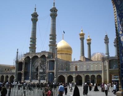 Lo Spirito dell'Iran, imamzadeh sciiti, templi zoroastriani, monasteri e chiese armene.