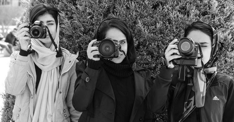 Iran, tre donne a Esfahan, foto di Claudio Silighini